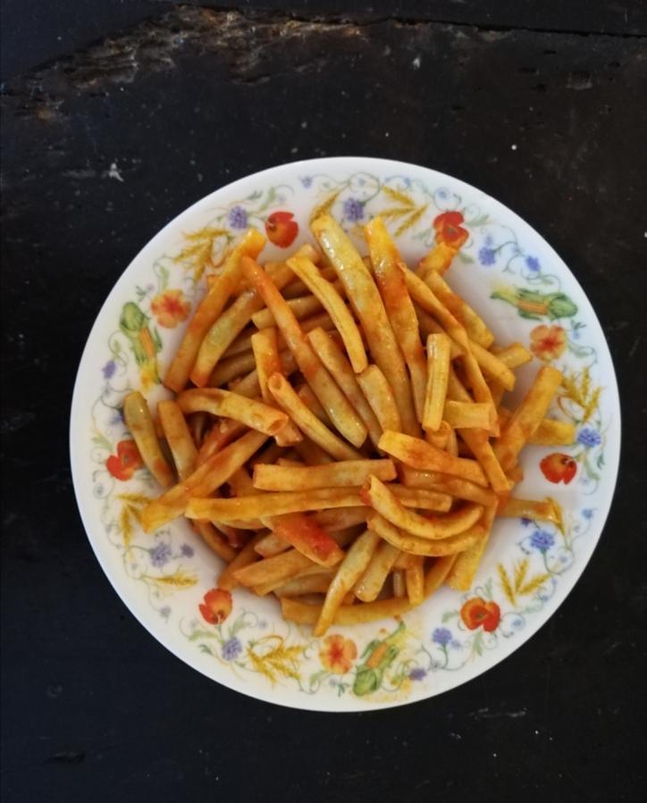 Fagiolini in umido (Tomātu mērcītē sautētas pākšupupiņas)