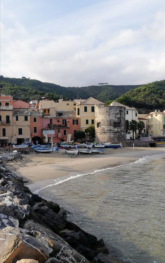Ligūrijas zvejnieku ciematiņšLaigueglia